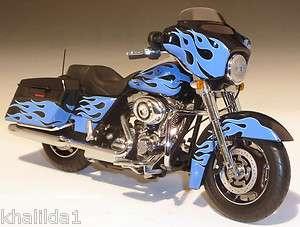 2011 Harley Davidson FLHX Street Glide Diecast Motorcycle 112 Blue