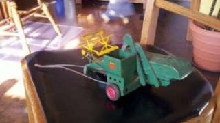 STEEL & DIECAST OLIVER 1/16 MECHANICAL FARM GLEANER COMBINE TOY