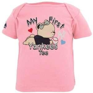 Yankees Newborn Girls My First Love T Shirt   Pink
