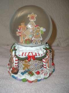 Gingerbread Man/House Christmas Musical Snow Globe Large