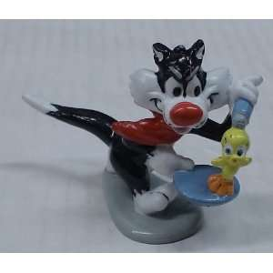 B10 LOONEY TUNES SYLVESTER & TWEETY PVC FIGURE Everything