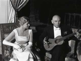 Bergman with Yul Brynner during the shooting of the movie Anastasia
