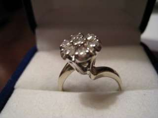 Womens 14kt White Gold Diamond Cluster Cocktail Ring. Size 7