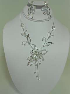 CLEAR CRYSTAL WEDDING PROM NECKLACE AND EARRING SET