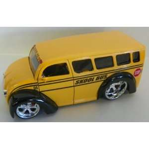Jada Toys 1/24 Scale Diecast Dub City Div Cruizer Skool Bus: Toys