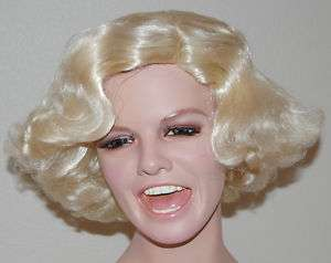 Marilyn Monroe glamour pin up girl movie star wig