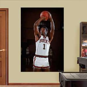 NBA Milwaukee Bucks Oscar Robertson Vinyl Wall Graphic Decal Sticker