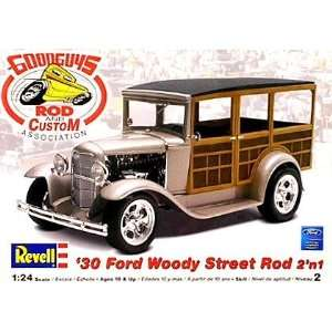 1930 Ford Woody Street Rod 2n1 Revell Toys & Games